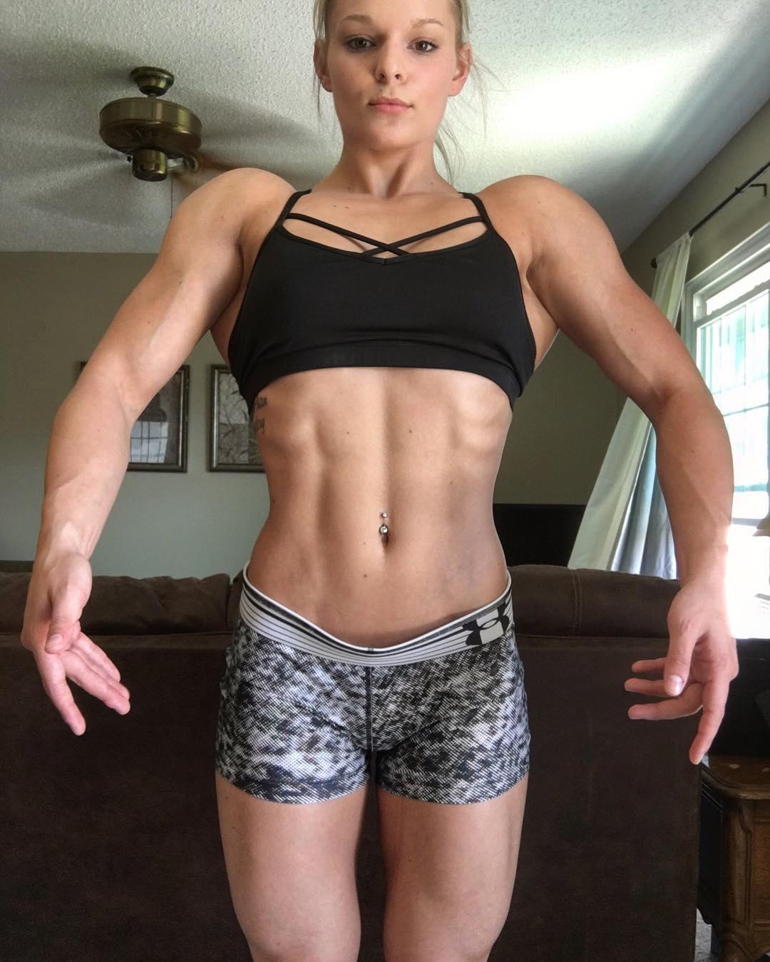 young-muscle-girl-nude